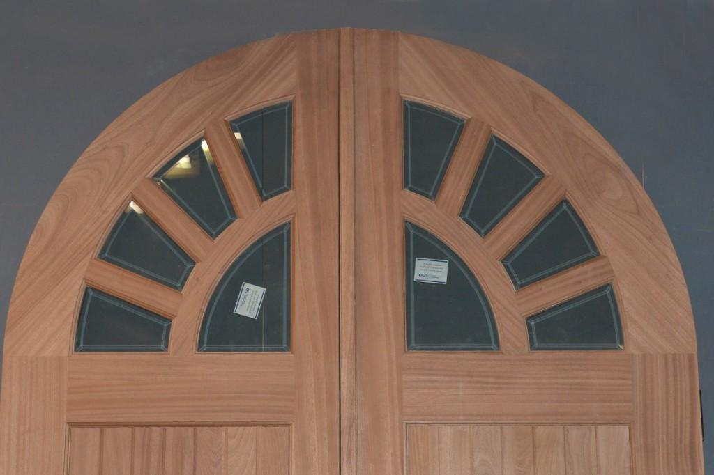 sapele door detail