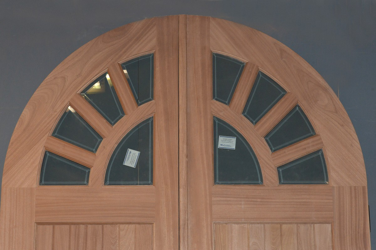 sapele door detail